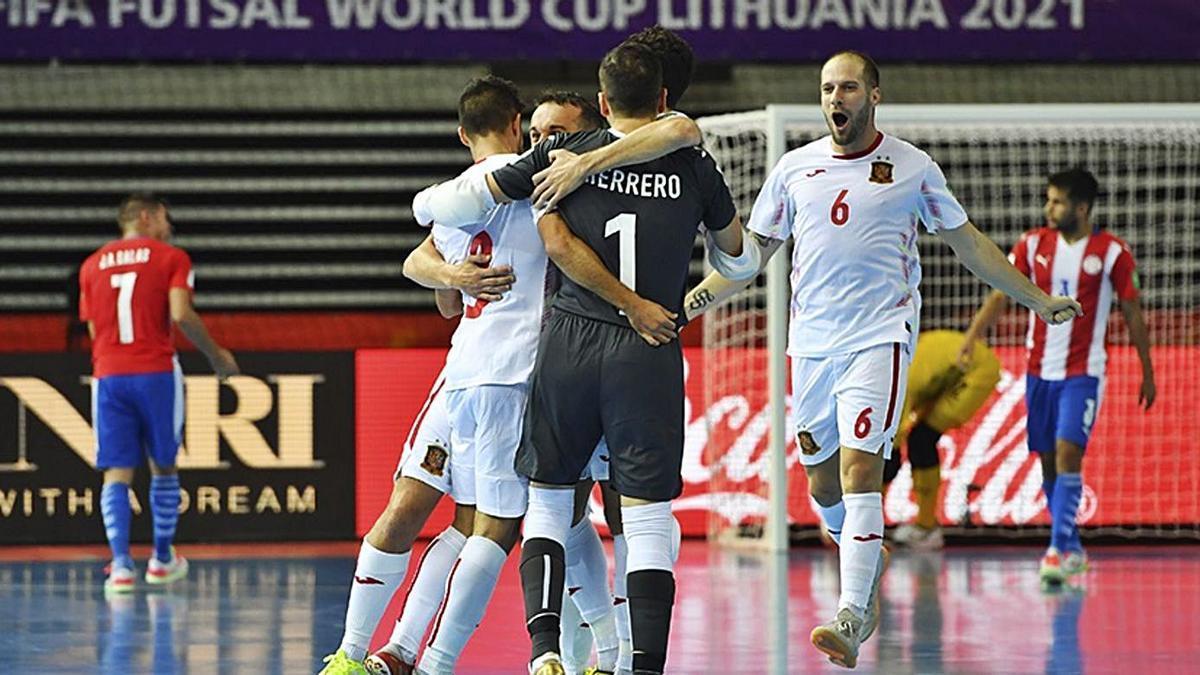 Los jugadores de la selección celebran un gol en el partido de ayer. | EUROPA PRESS/RFEF