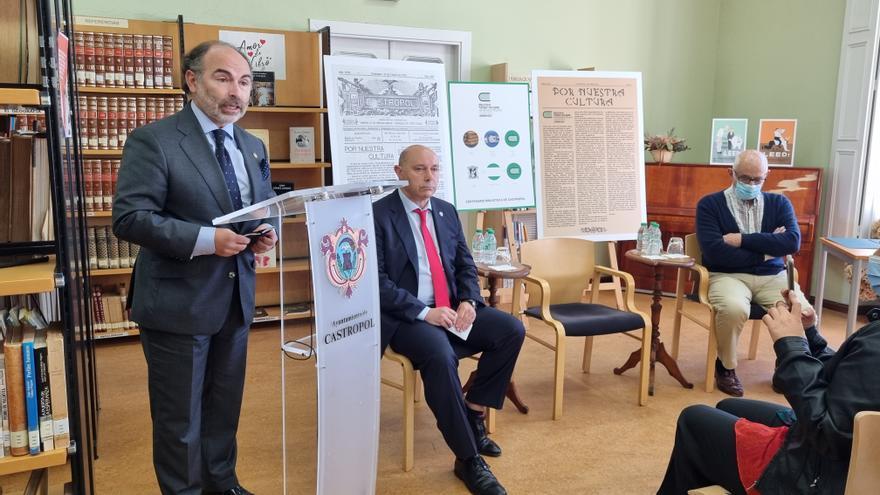 """El Rector en Castropol: """"La Universidad no puede ser una pedigüeña; espero un guiño del Principado en los presupuestos"""""""