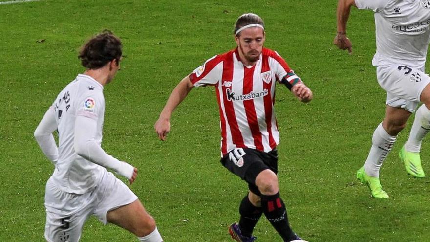Kodro, de penalti, y Unai Núñez dan aire al Athletic ante el Huesca