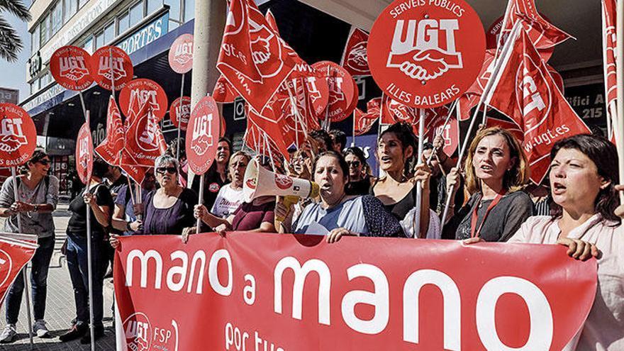 Zimmermädchen treffen sich zu Kongress in Palma de Mallorca