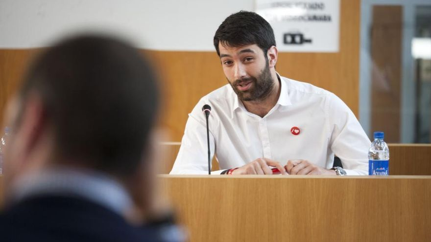 El PSOE de A Estrada critica destinar más a los baños inteligentes que a apoyar a comercio y hostelería
