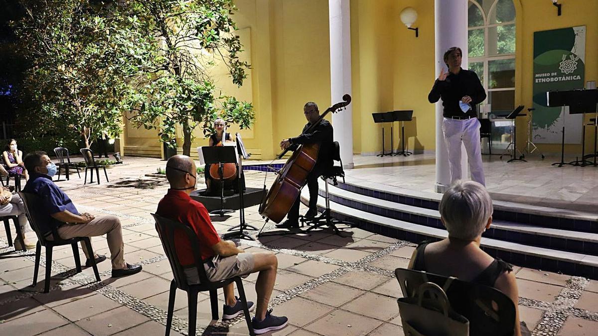 Jardín Botánico. Concierto de la Orquesta en la plaza del Etnobotánico. | MANUEL MURILLO