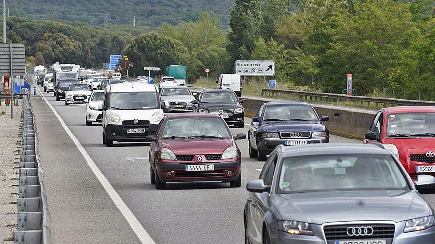Els Mossos enxampen en poques hores cinc conductors que circulaven sense permís per carreteres gironines