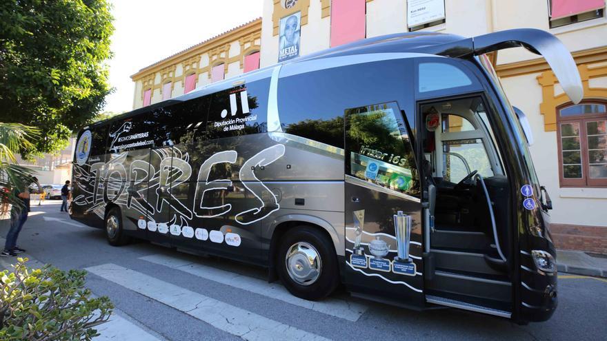 El Balonmano Málaga Costa del Sol estrena autobús