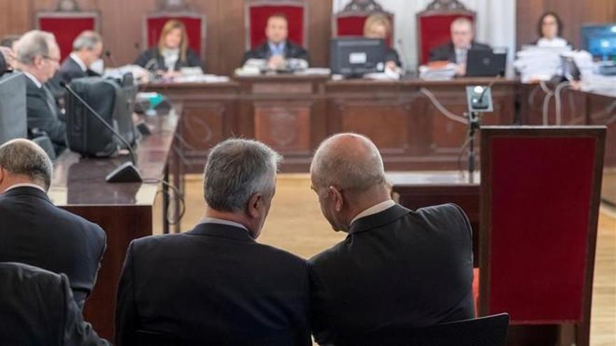 El Parlamento andaluz reprobará a los gobiernos de Chaves, Griñán y Díaz por los ERE