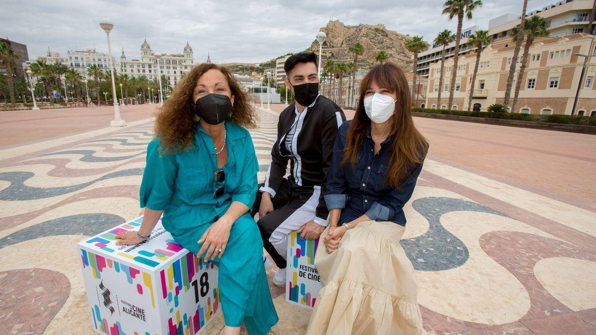 Eulàlia Ramon, Marc Romero y Antonia San Juan, en la presentación de la película '75 días'.