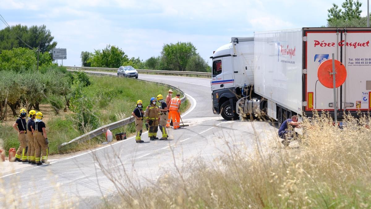 El camió ha fet la tisora a la corba de Vilamorell