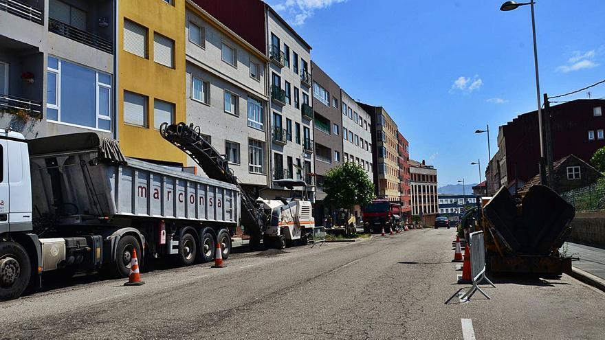Arranca el asfaltado de Daniel Castelao dentro de un plan que incluye seis viales