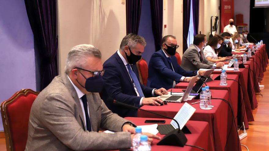Las diferencias políticas entre IU y PSOE en El Carpio salpican al Pleno de la Diputación