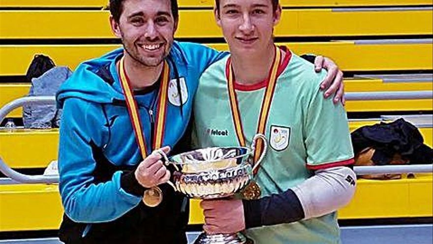 El tècnic Gerard Pusó i el porter Quim Moya són campions d'Espanya infantils
