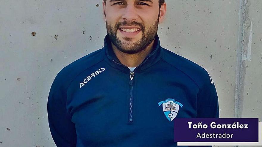 Toño González renueva por quinto año consecutivo como técnico del Bandeira