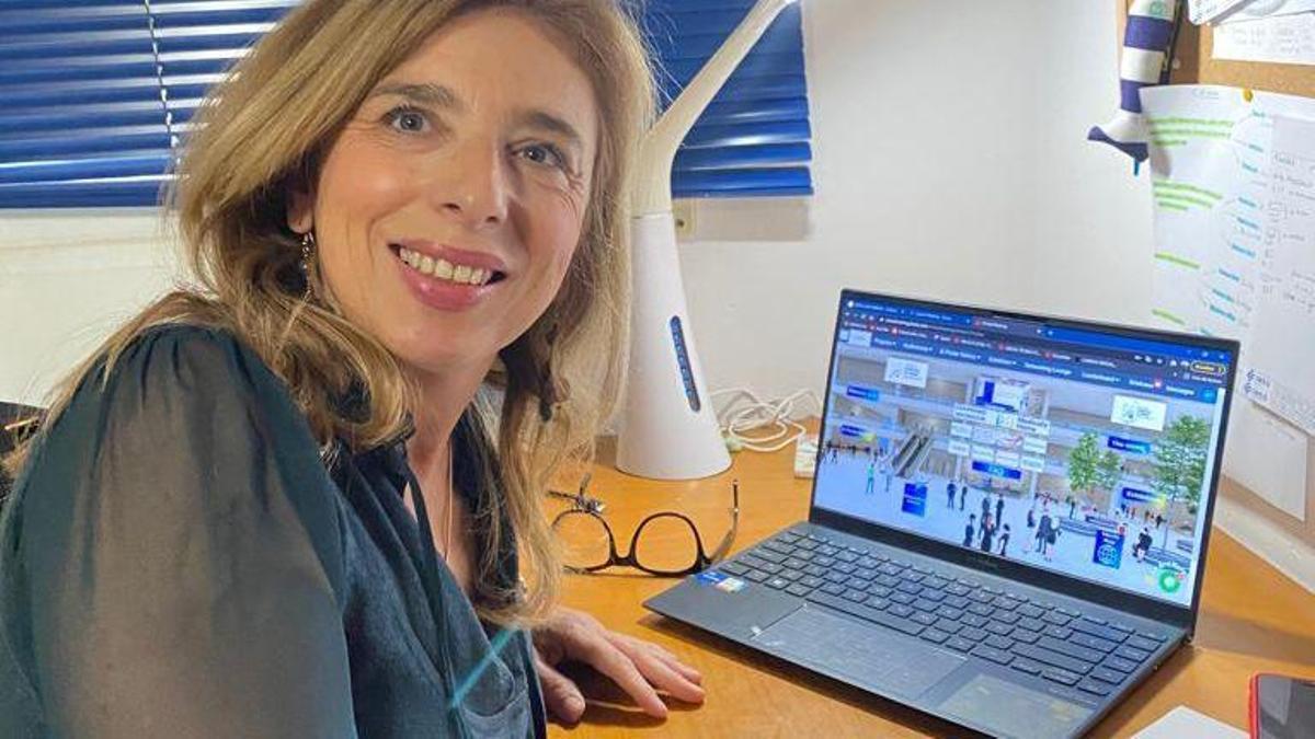 La doctora Clar, del Hospital General de Elche, quien dirige la UHD Pediátrica