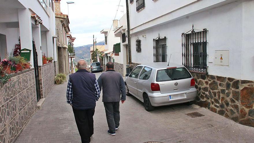 Vecinos de Monte Dorado piden un plan urbanístico más barato para el barrio