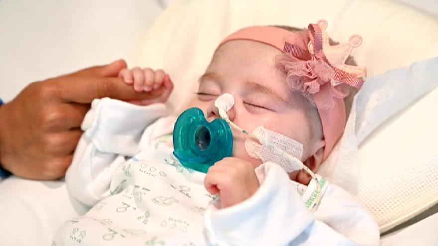 La emotiva historia de Naiara, la bebé salvada gracias a un trasplante pionero en el mundo