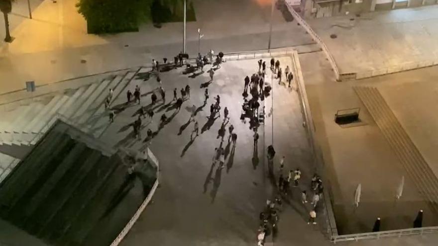 La Policía disuelve un botellón en el Náutico de Vigo