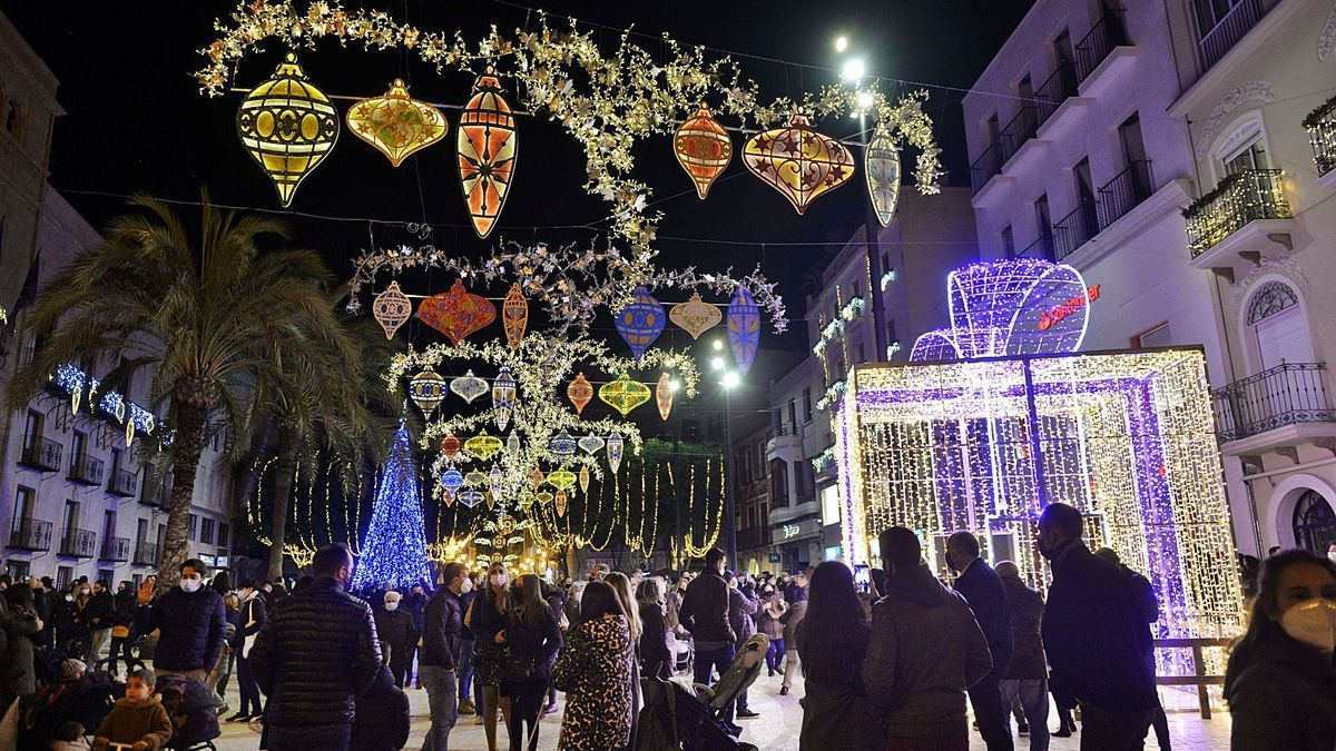 Christmas lights in the city of Elche, where the incidence of covid exceeds 350 cases per 100,000 inhabitants