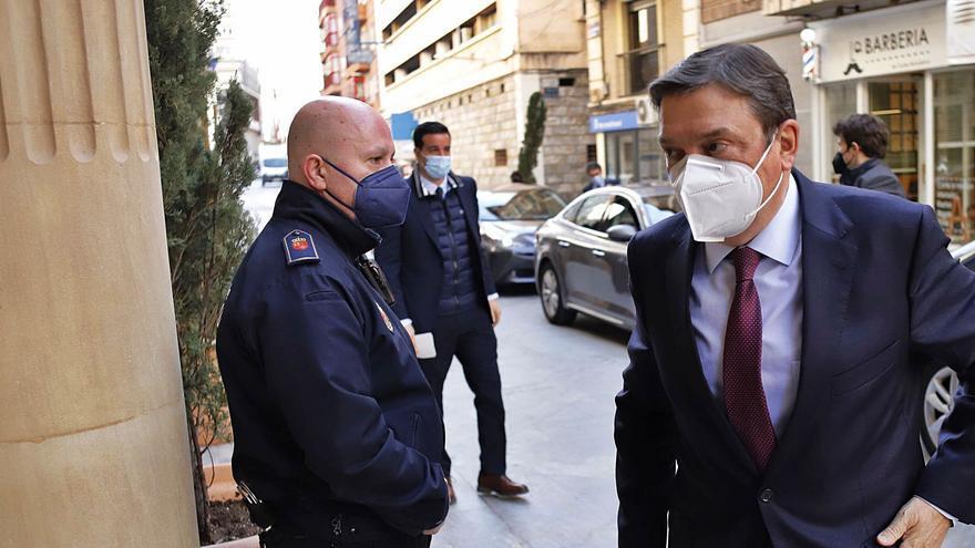 El ministro Planas calma a los  exportadores murcianos frente al Brexit y los aranceles de EE UU