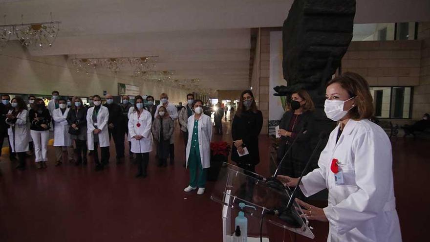 El hospital Reina Sofía inaugura su  alumbrado extraordinario de Navidad