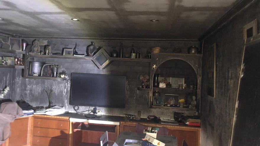 El incendio de una vivienda en Santa Pola obliga a desalojar a 300 vecinos