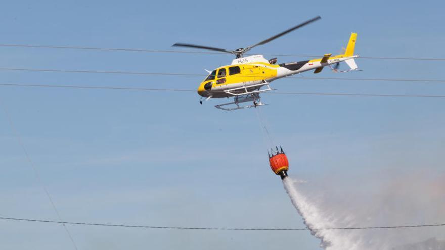 El Govern evita pronunciarse sobre la demanda de una aeronave contra incendios