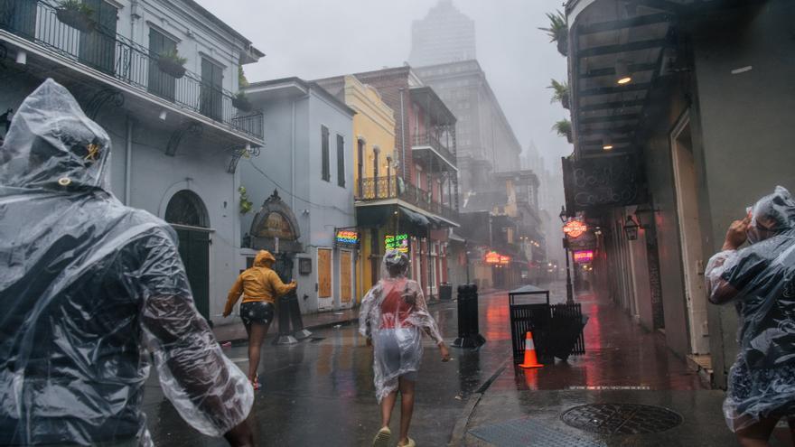 Almenys un mort a Louisiana a causa de l'huracà «Ida» que ha deixat sense llum Nova Orleans