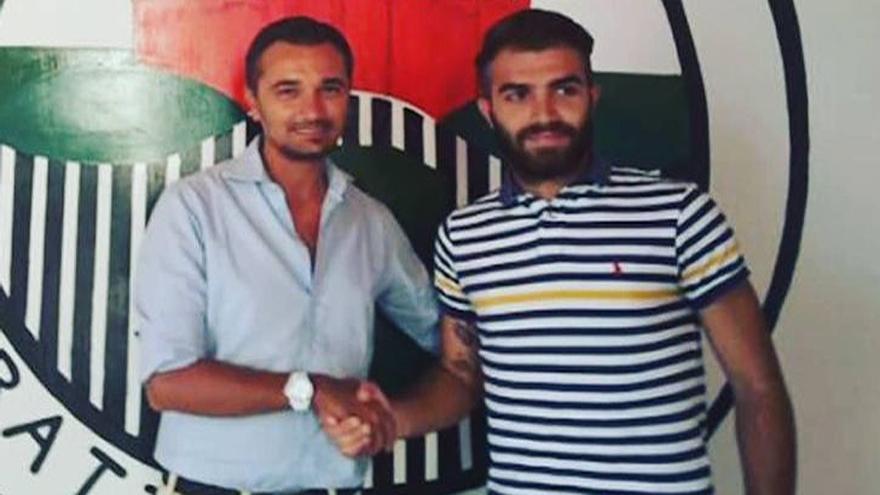 Muere un exfutbolista de 29 años en Italia en un partido de homenaje a su hermano fallecido
