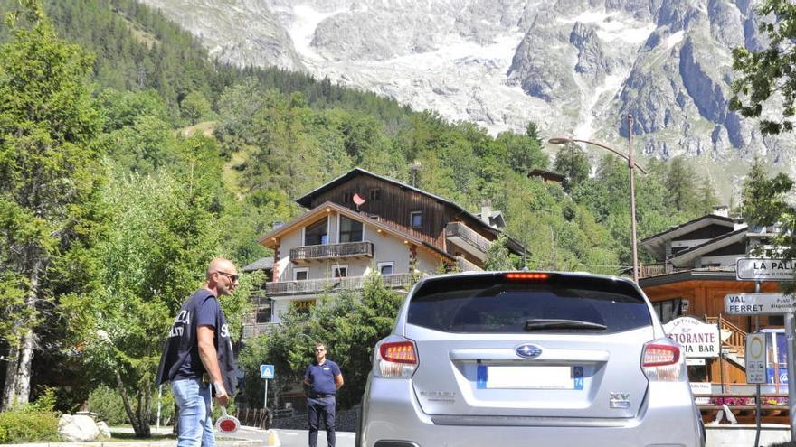 Más de 60 evacuados del lado italiano del Mont Blanc por el posible colapso de un glaciar