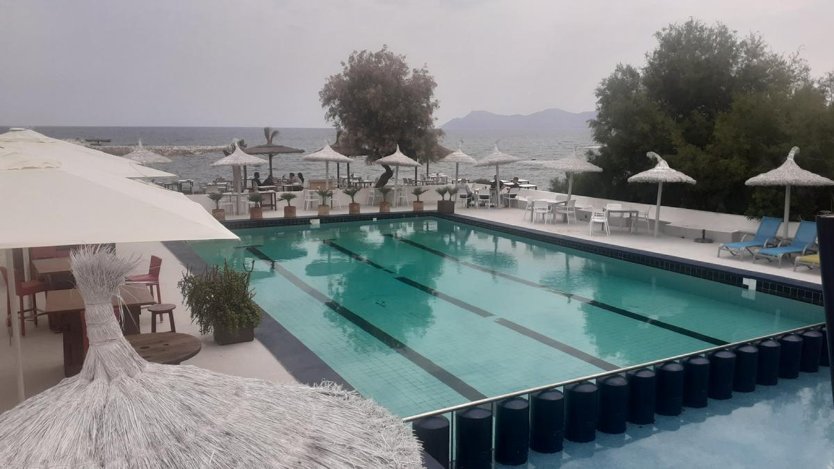 Imagen de la piscina del Mar y Paz de Can Picafort.