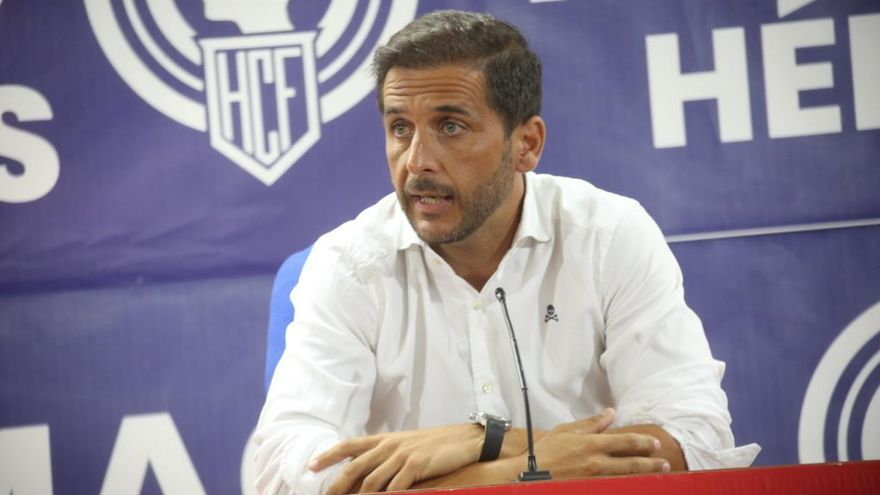Sergio Mora: «Quiero un Hércules competitivo y con carácter, la afición se tiene que identificar con este equipo»
