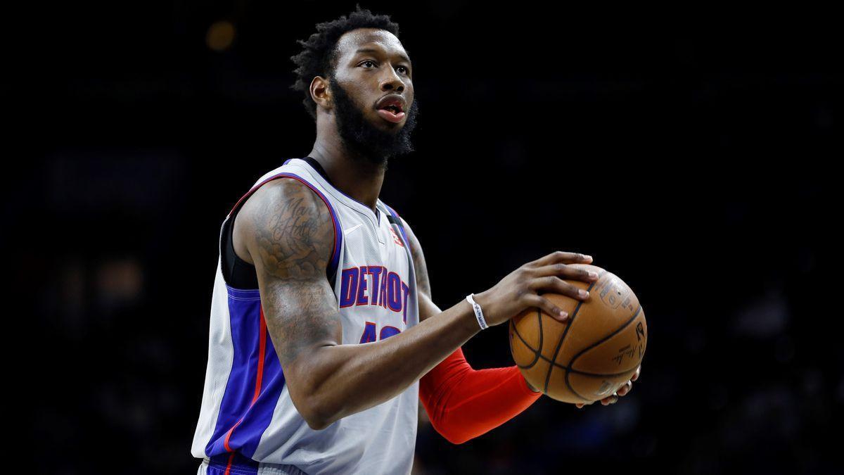 Donta Hall en su paso por Detroit Pistons
