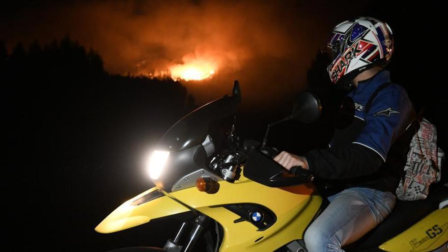 Incendios en Galicia | Tres incendios forestales afectan a Cotobade, A Lama y Caldas de Reis