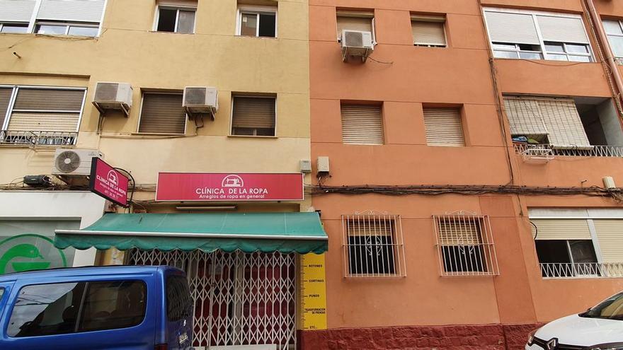 Tres detenidos en Alicante por tirar por una ventana a un compañero de piso