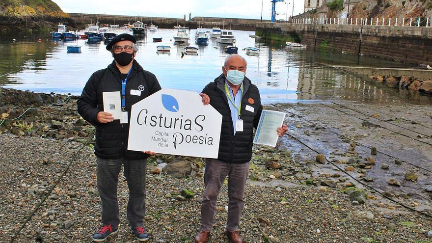 """""""Asturias, capital mundial de la poesía"""" llena de versos los negocios tapiegos"""