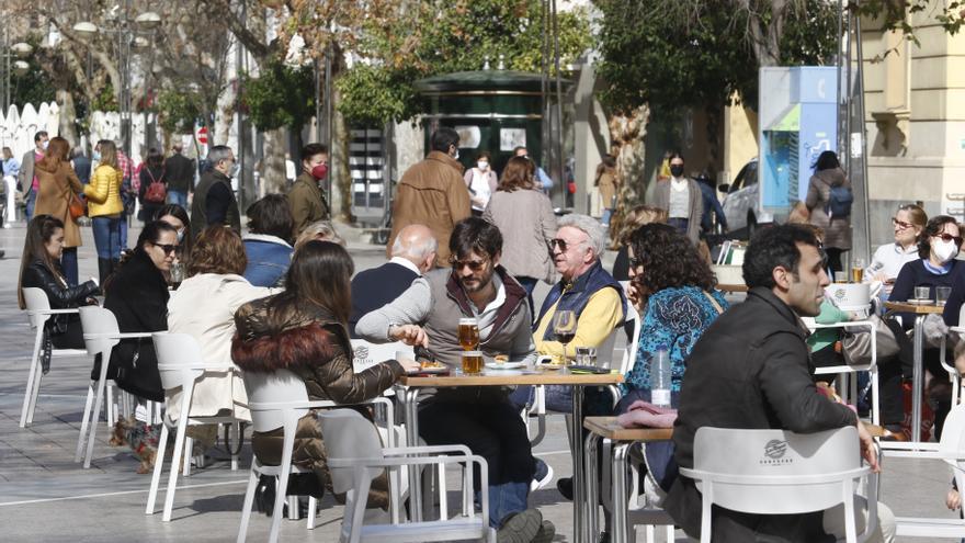 Casi 6.000 empresas del comercio y la hostelería de Córdoba piden las ayudas de 3.000 euros de la Junta