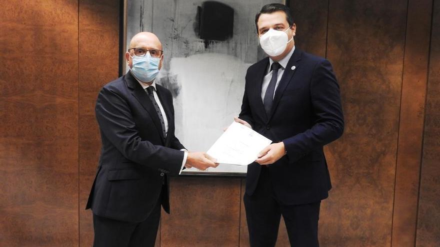 El Ayuntamiento y Cajasur firman la escritura de cesión del San Eulogio a la ciudad de Córdoba