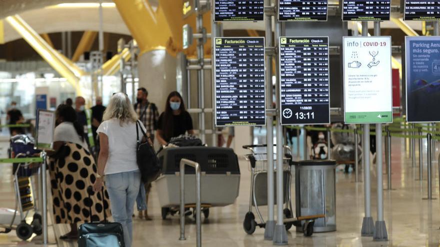 Las limitaciones a vuelos desde Reino Unido se mantendrán hasta febrero