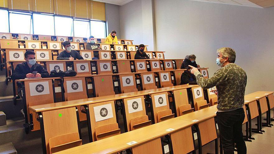 Los estudios de máster no garantizan más éxito laboral a los graduados gallegos