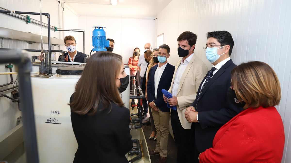The president of the Cabildo de Tenerife, Pedro Martín, on a visit to the Fonsalía desalination plant to learn about the project & # 039; Mides & # 039;