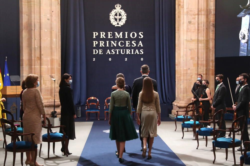 La Familia Real entrando al acto.