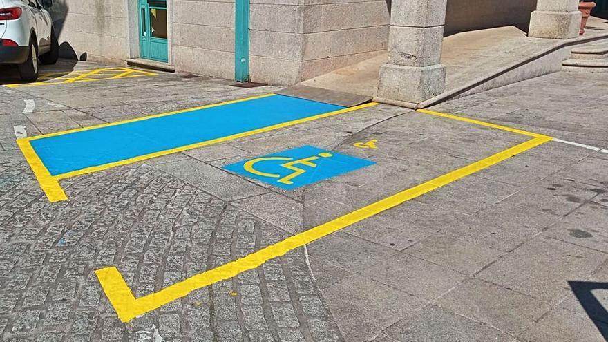 Vila de Cruces mejora su centro urbano y algunas de sus pistas