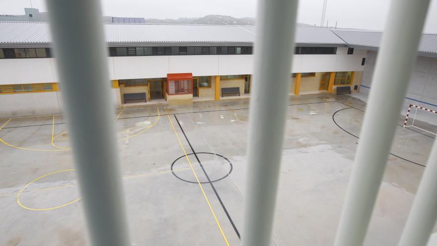 Las cuatros presas acusadas de violar a otra, al banquillo tras no llegar a un acuerdo