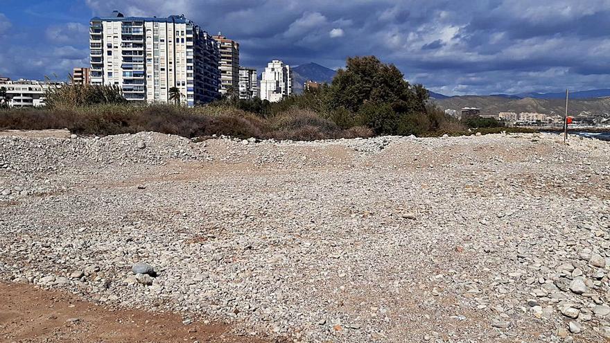 Denuncian la extracción de cantos rodados en la desembocadura del río Seco