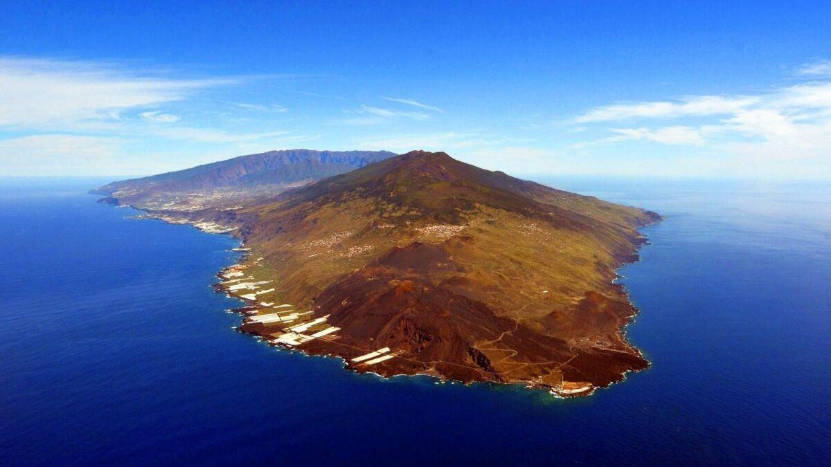 La isla de La Palma, en prealerta por posible erupción volcánica.