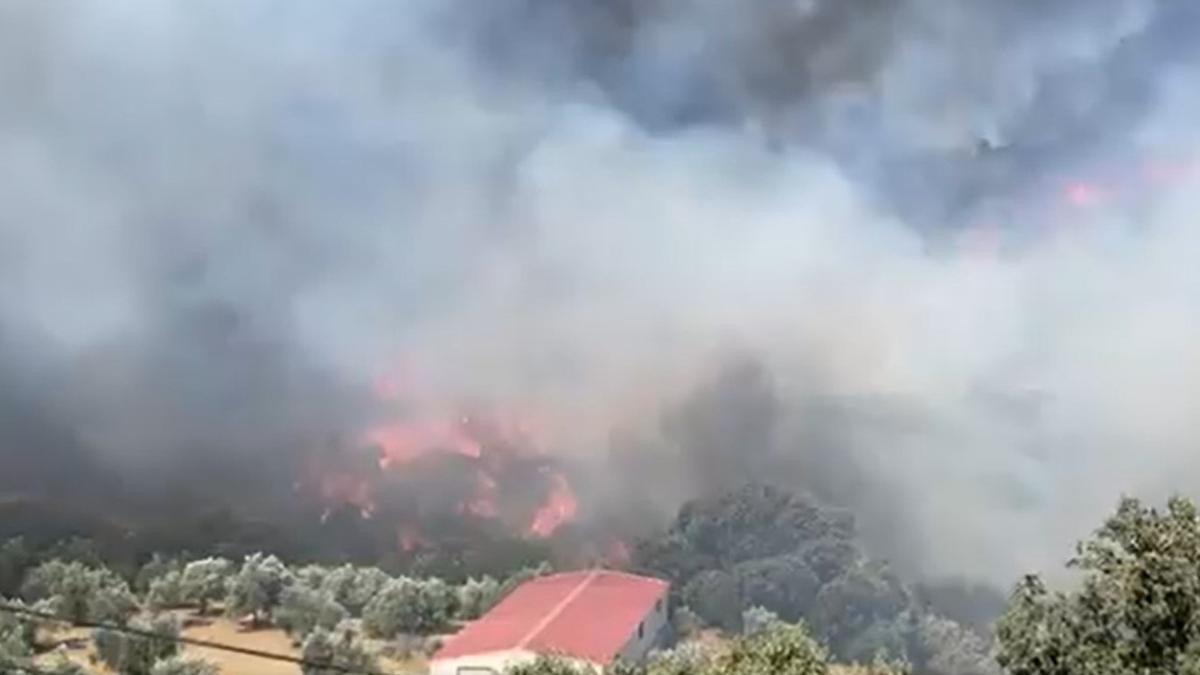 Imagen de archvo del incendio declarado en Yunquera