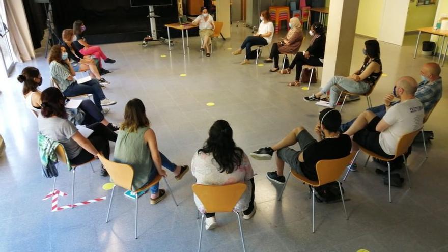 L'Associació Valentes i Acompanyades i SER.GI s'alien per crear espais conjunts a través d'un conveni