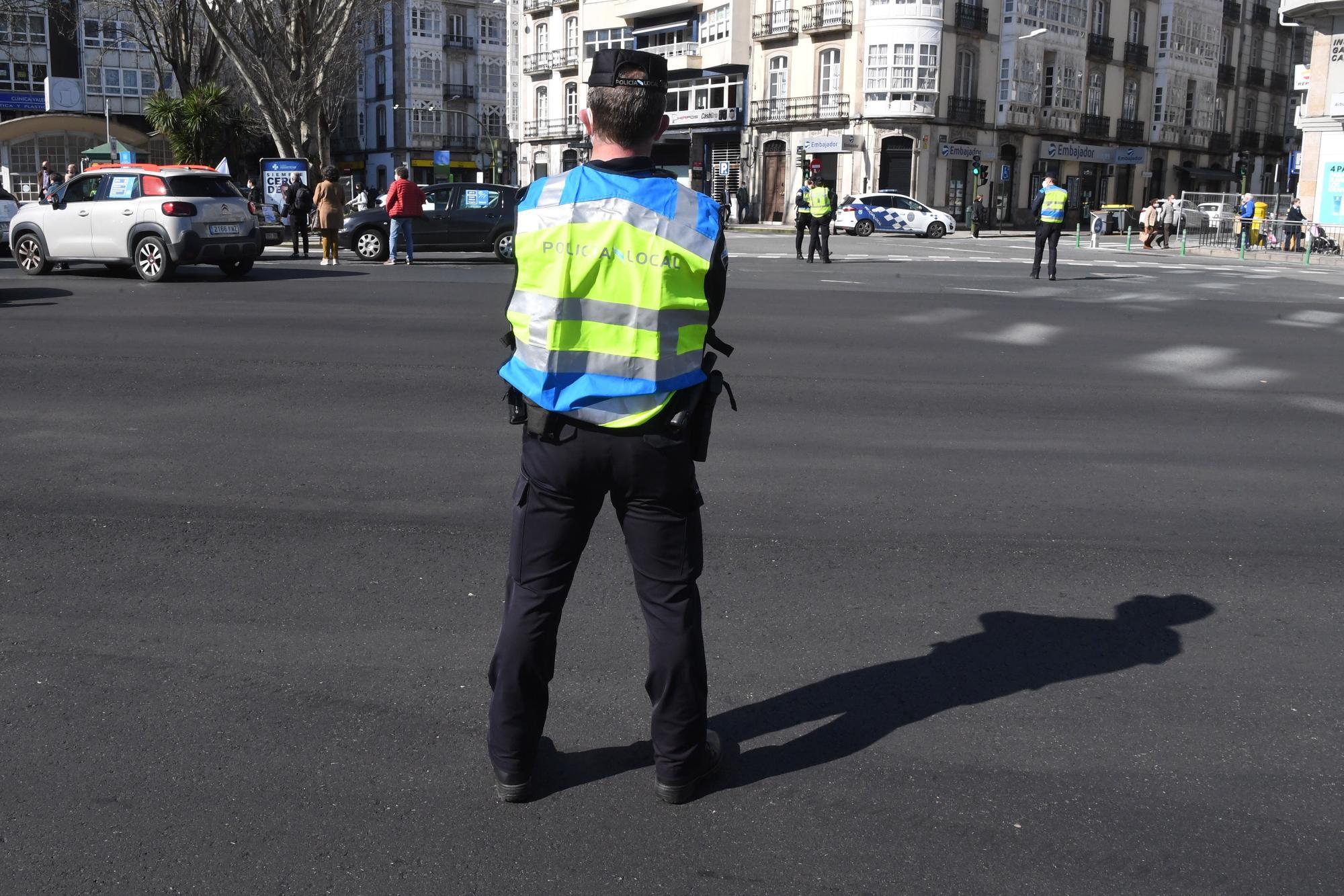 """Una caravana convocada por el BNG marcha por A Coruña para reclamar el fin de la """"estafa"""" de la AP-9"""