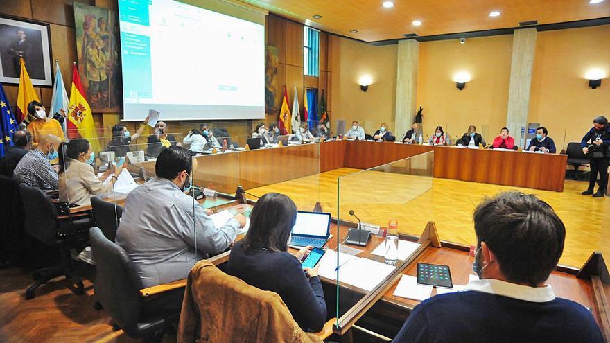 El PSOE tumba un nuevo reglamento de participación tras ser excluido de su redacción