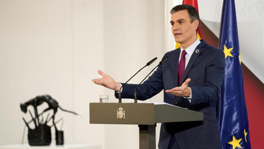 """Sánchez anuncia una hoja de ruta para """"renovar la Corona"""" que se conocerá """"paso a paso"""""""