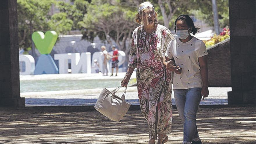 Solo tres pacientes permanecen ingresados en Canarias