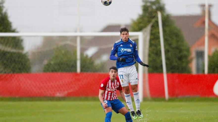 """El Vetusta se lleva otro """"miniderbi"""" ante el Sporting B (0-1)"""